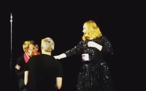 DudeAdam - Adele-Gay-proposal102