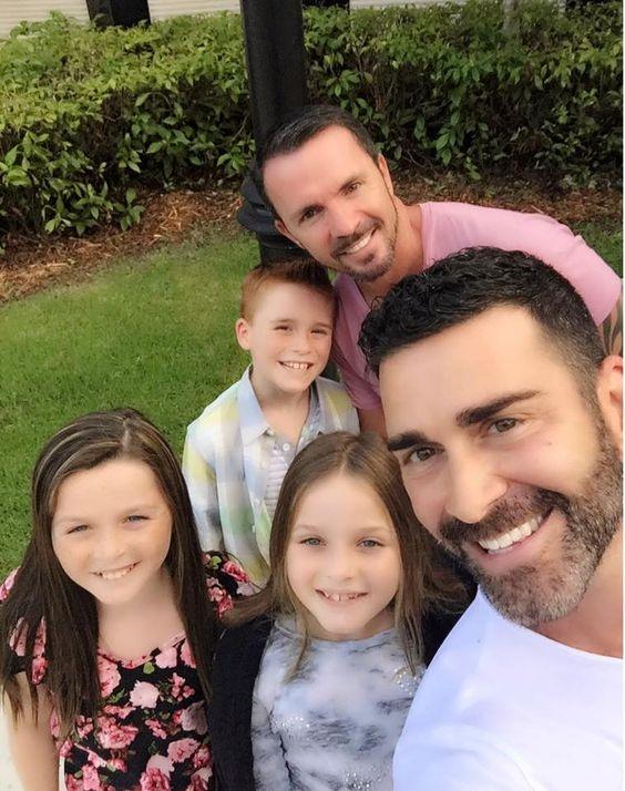 DudeAdam-gay-dad-family147